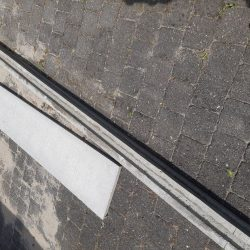 betonnen paal en plaat