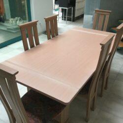 Tafelmet 6 stoelen (800x600)